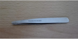 Beste Augenbrauen Zupfer Pinzette von Tweezerman für perfekte Brauen beim Mann